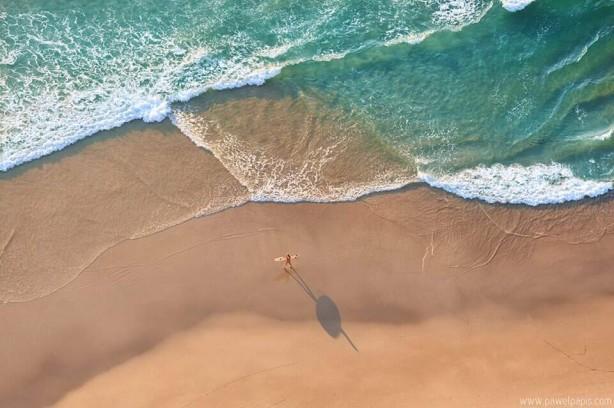Lone Surfer - www.pawelpapis.com